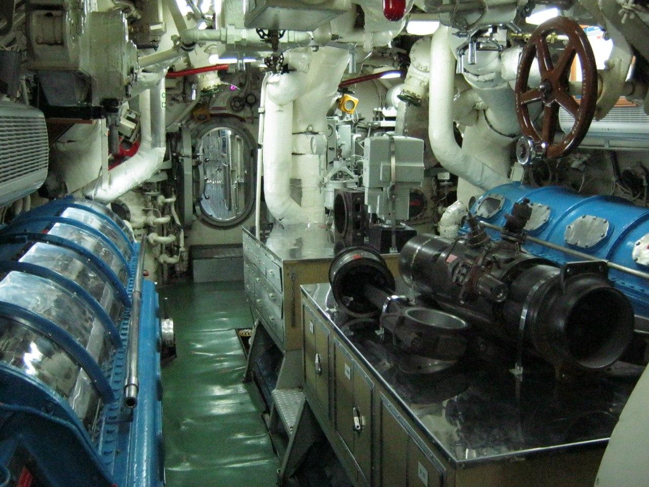 внутри подводной лодке в Измите