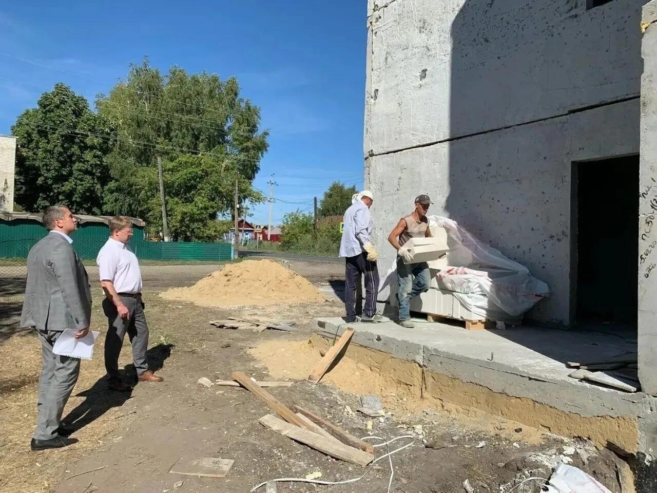 В Петровске продолжается возведение дома для детей-сирот и детей, оставшихся без попечения родителей