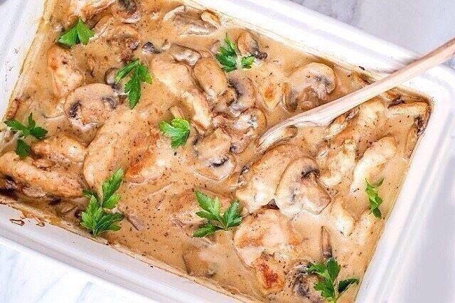 Куриные грудки в нежном соусе, вкуснятина!
