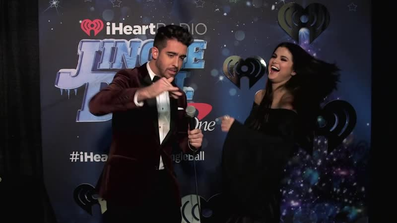 2015 интервью на ковровой дорожке Jingle Ball iHeartRadio