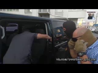 ФСБ публикует видео задержания в Севастополе военнослужащего Черноморского флота