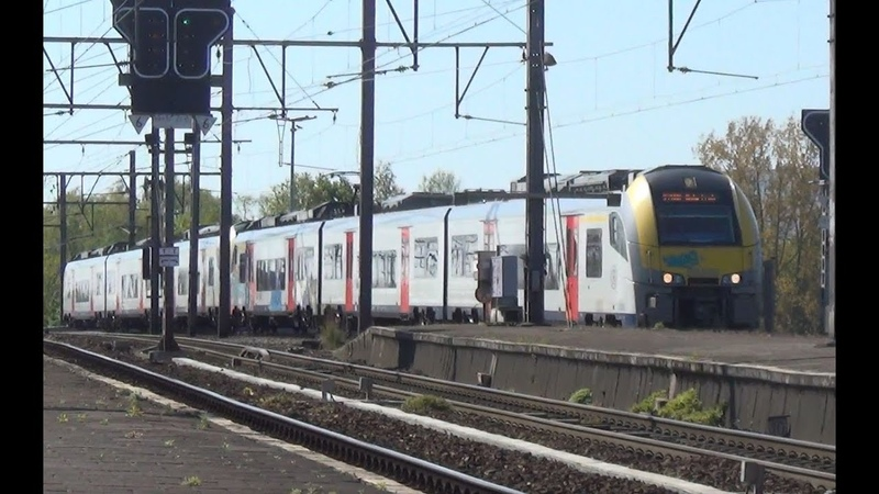Desiro 08006 08062 komen aan op station Antwerpen Berchem