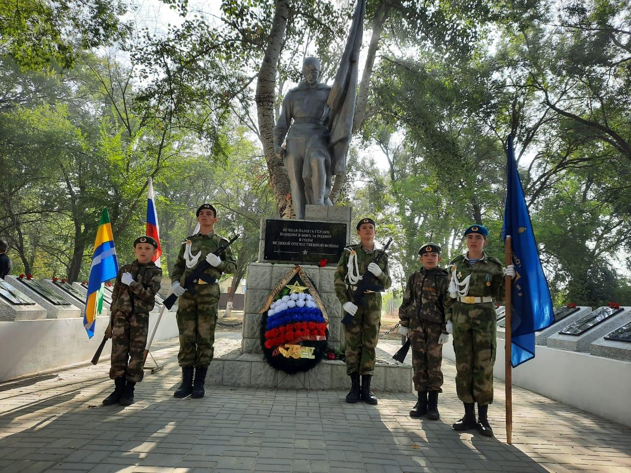 22 сентября в Азовском районе в с. Высочино был открыт Мемориал солдатам, погибшим в ВОВ на территории Азовского района.