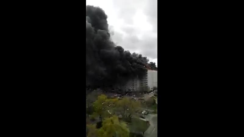 Необычно большой пожар в Берлине (4 апреля 2020) :