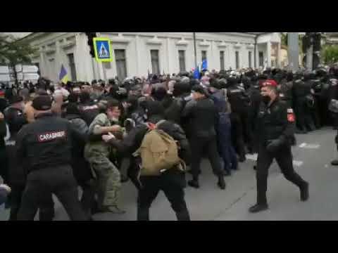 Altercații cu poliția la protestul veteranilor
