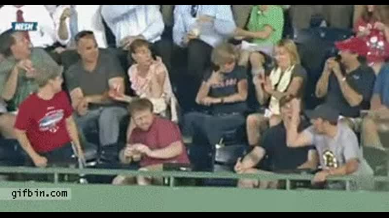 Fan catches foul ball with beer