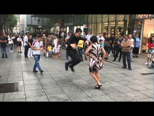 Тбилиси Лезгинка 2019 Тетя И Девушка Танцуют По Кайфу На Улице Руставели ALISHKA
