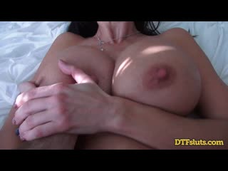 Молодой трахает сексуальную женщину, sex milf porn mature POV tit ass boob old young boy mom busty kiss love new (Hot&Horny)