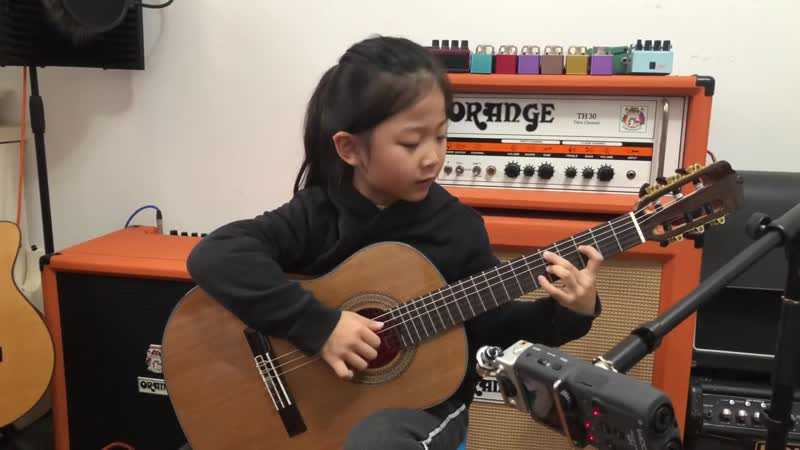 Fly me to the moon By A girl six years old Bossanova guitar playing INS @miumiuguitargril online video