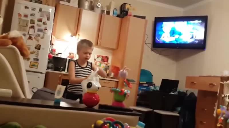 Когда сын 6 летний уходит из дома