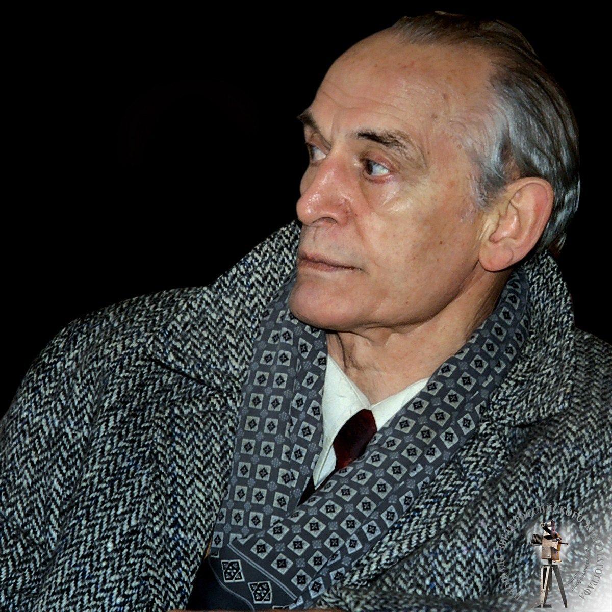 Сегодня свой день рождения отмечает Лановой Василий Семёнович.
