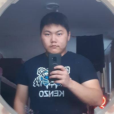 Bogdan, 20, Khorinsk