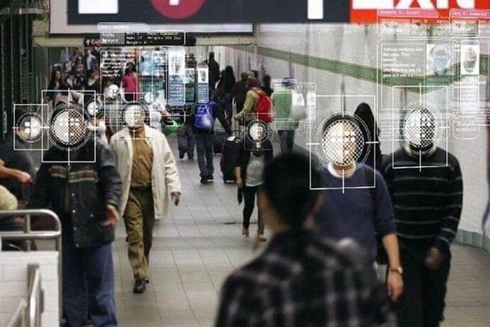 Мэрия передаст полиции фотографии пользователей официального сайта мэра Москвы.