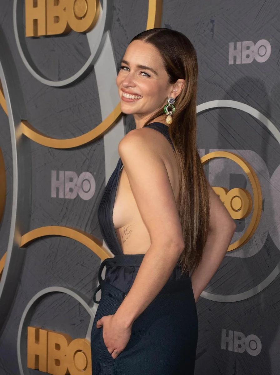 «Мать драконов» из «Игры Престолов» сильно похудела, поклонники переживают, что у Эмилии Кларк может довести себя до анорексии