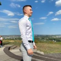 Константин Ларионов