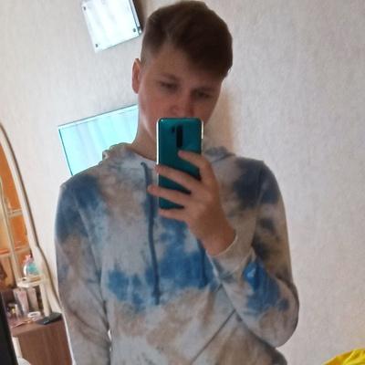 Никита, 18, Dolinsk