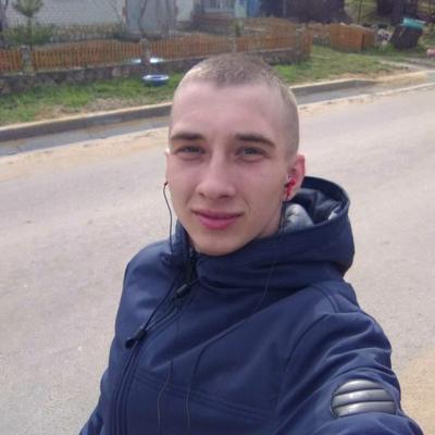 Илья, 22, Livny